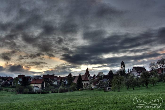 Kirche im Tal