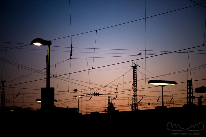 Oberleitungen am Bahnhof
