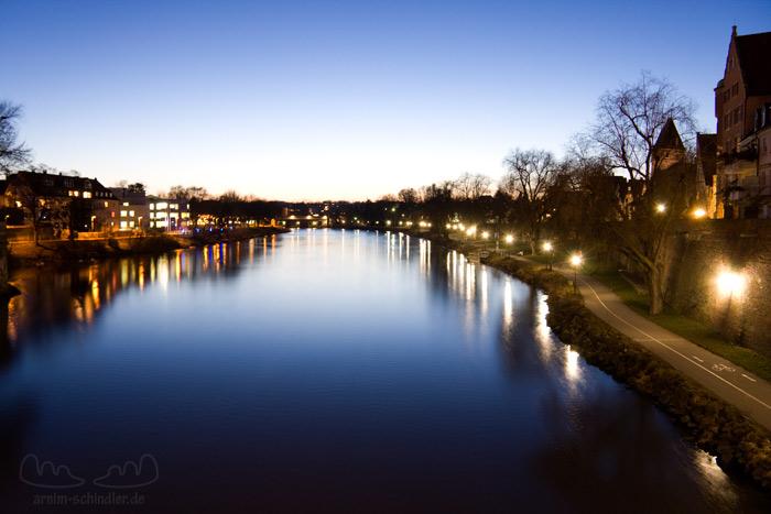 Donau in der blauen Stunde